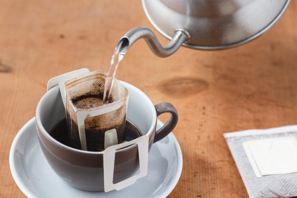 food-journalistin-fotografin-kaffee-tee-melanie-boehme-photography-coffee-drip-bag